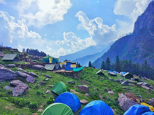 Kheerganga Trek Package